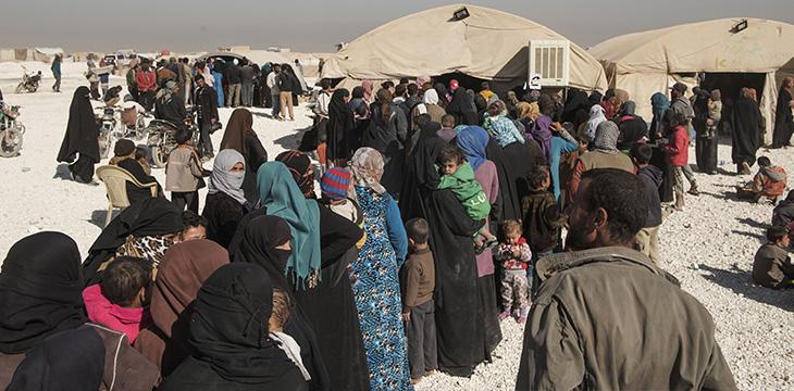 Campo di Areesha. Persone in fila in attesa della visita medica. Ottobre 2017. Foto di Alessio Romenzi/UPP