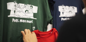 "Le t-shirt ""Ponti Non Muri"""