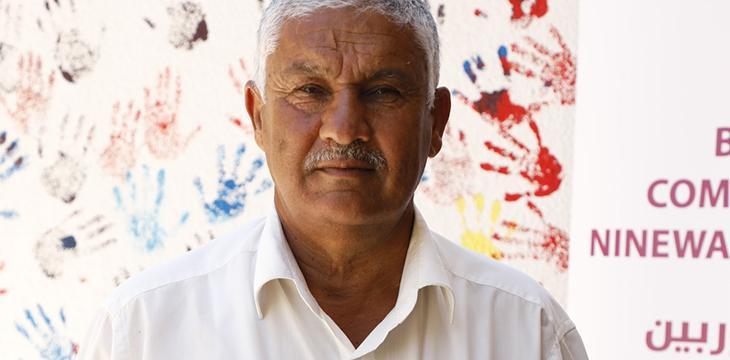 Il Preside della scuola di Khanhash (Nimrod), Mr. Hasan.